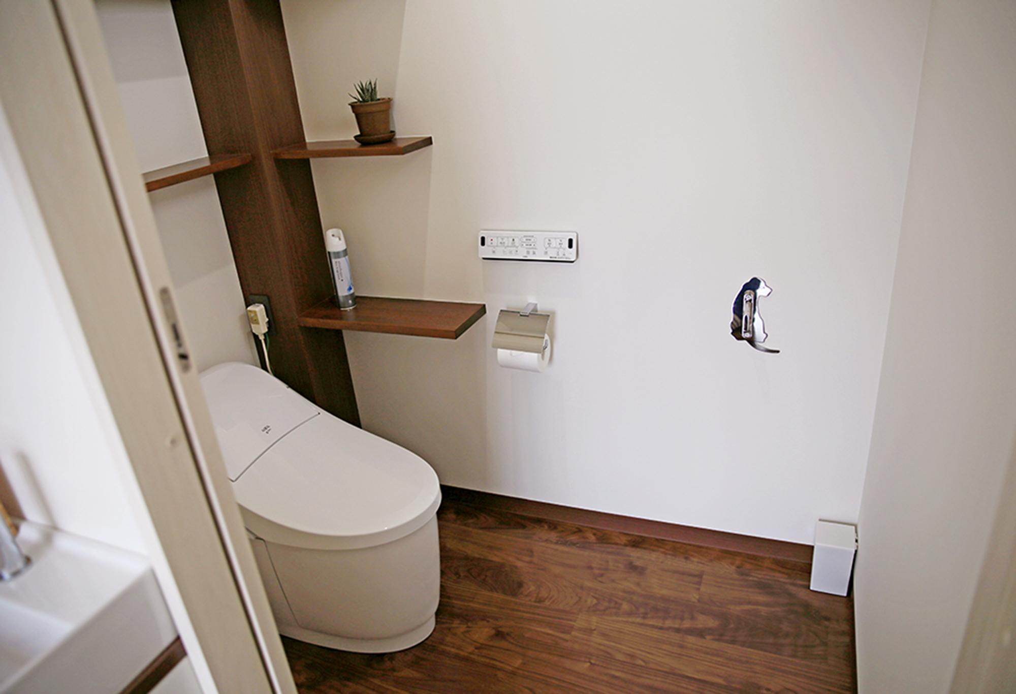 【トイレ】<br /> 動物も一緒に入れるゆったりしたトイレです。